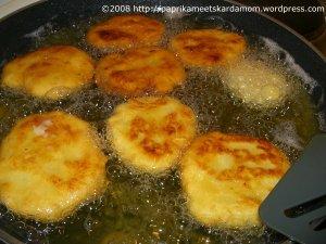 Brutzelnde Kartoffelplätzchen