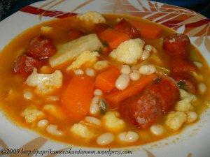 Ungarische Bohnensuppe