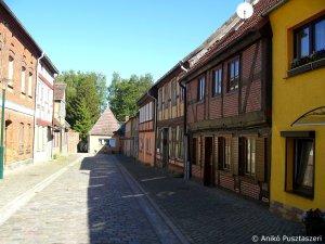 Typisch-städtische Häuser der Gegend