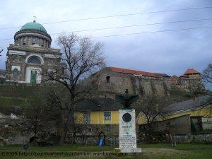 Esztergom - Basilika und Burg mit dramatischem Himmel